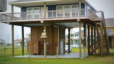 1 Coastal Calm 2 Bedroom Home