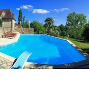 Beautifully Renovated Country House in Fantastic Location. Worldclass Vast Private Pool!