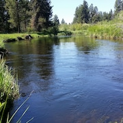 Little Deschutes River Family Retreat - Fun for the Whole Family!