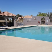 Townhouse In Quiet Community W Pool Close To U Phx Stadium Spring Trainings