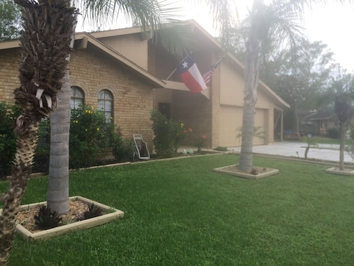 Great Central Location in Harlingen - Treasure Hills - Close to Medical Center