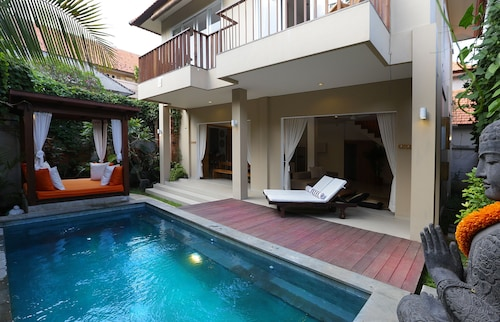 Del Mar Beach Villas-2 Bedroom Private Pool