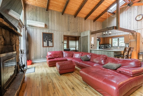 Top Hawley Cabins Rent A Cabin From 90 Travelocity