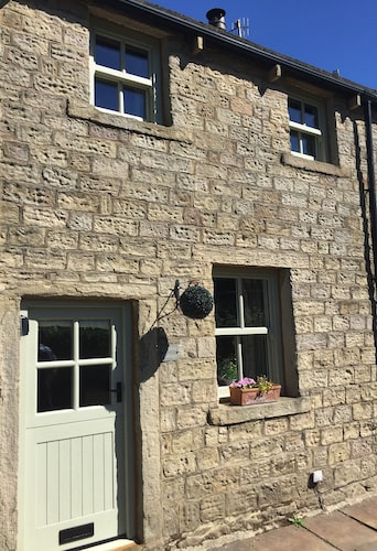 Cobble Cottage, 1 Bed Cottage, Barnoldswick, Nr Skipton, Yorkshire, England