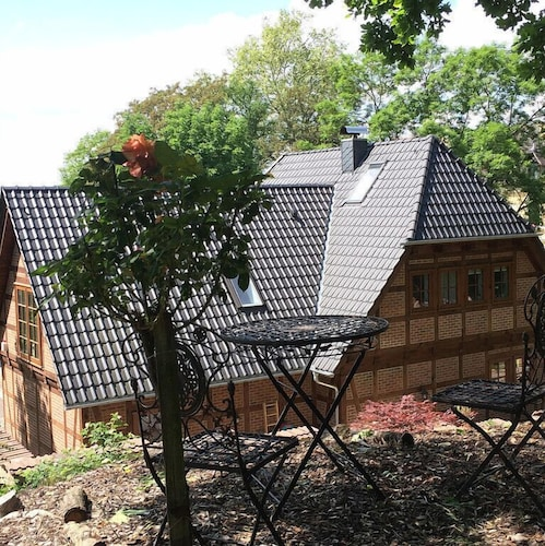Lovely Apartment for Couples in the new Half-timbered House in Altenburger Land
