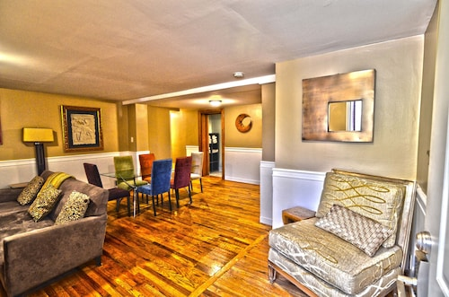 Check Expedia for Availability of Best Location In Dc! Dupont / Logan