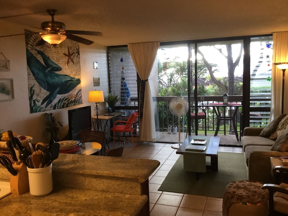 Walk To All S Kihei Beaches Shops And Restaurants 2018 Room Prices