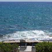 Direct Oceanfront 5 Br/3.5 BA House ~ Best Oceanfront Value!