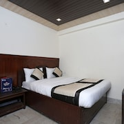 OYO Rooms 154 Mall Road Mallital