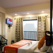 OYO Rooms 055 Mall Rd Tourism Lift