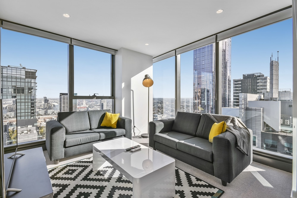 Serviced Apartments Melbourne Lighthouse