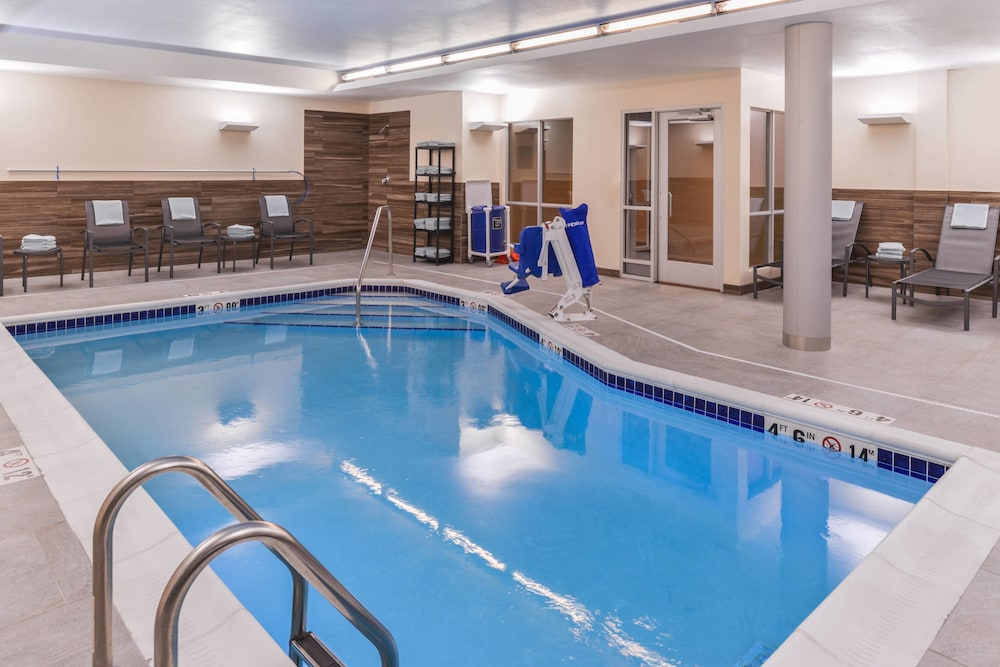 Sports Facility, Fairfield Inn & Suites by Marriott Coralville