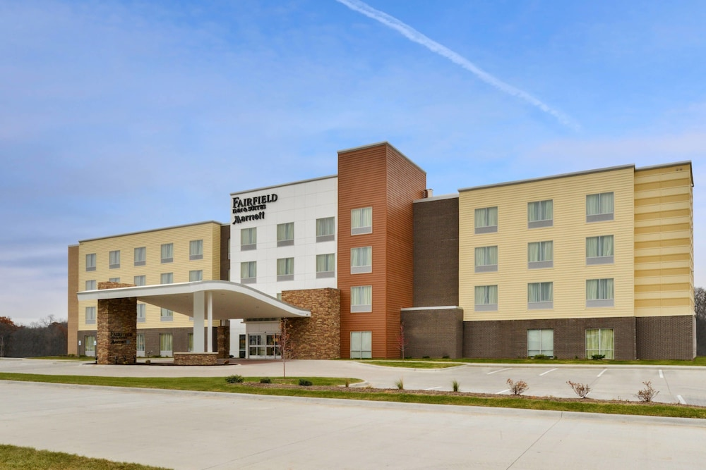 Exterior, Fairfield Inn & Suites by Marriott Coralville