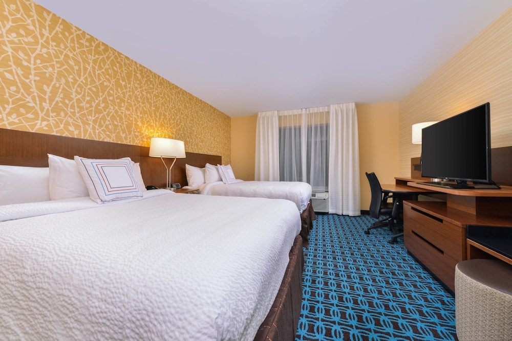 Room, Fairfield Inn & Suites by Marriott Coralville