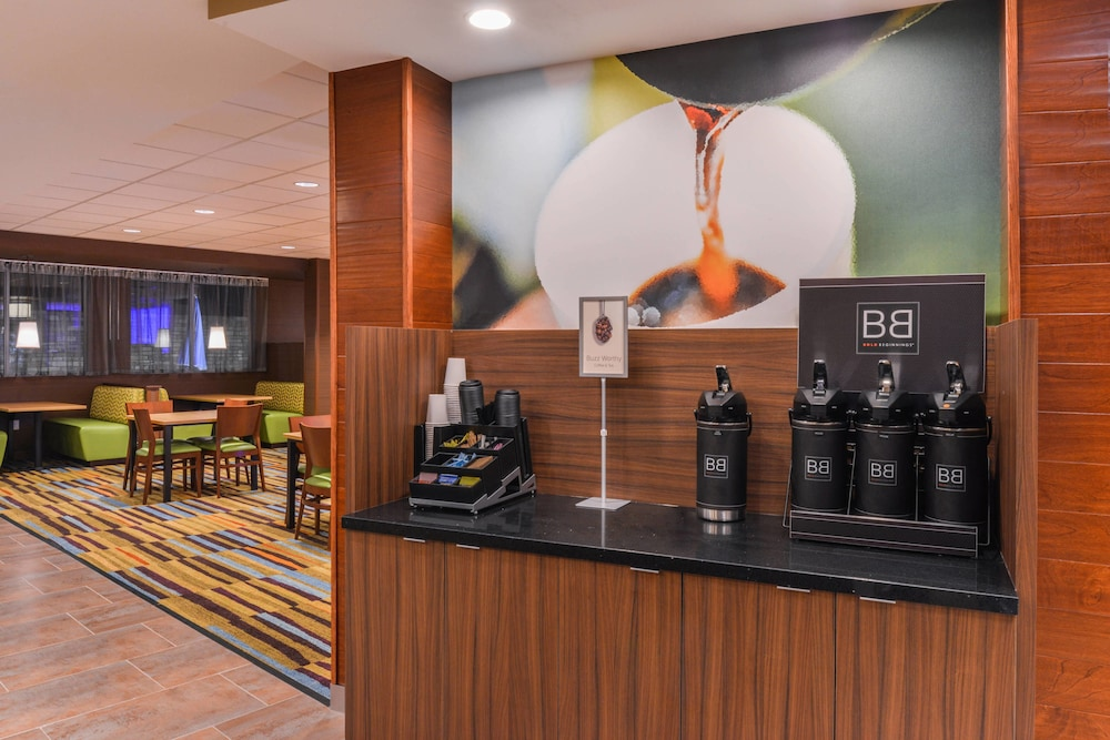 Restaurant, Fairfield Inn & Suites by Marriott Coralville