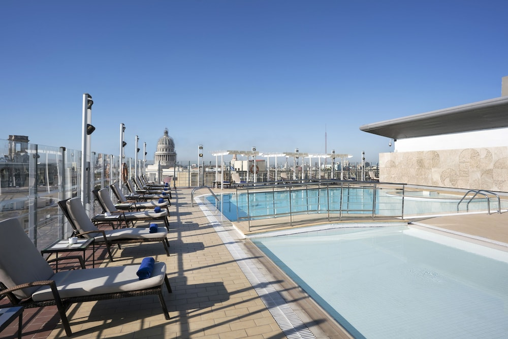 Rooftop Pool, Iberostar Parque Central