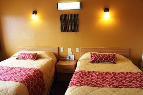 Great Place to stay Western Motel near Shamrock