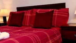 Desk, free cots/infant beds, rollaway beds