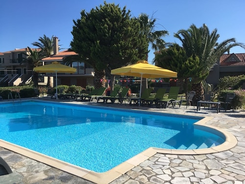Ariadnes Holiday Accommodation I