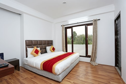 OYO Rooms 160 High Court Road Mallital