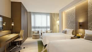 Hochwertige Bettwaren, Pillowtop-Betten, Zimmersafe