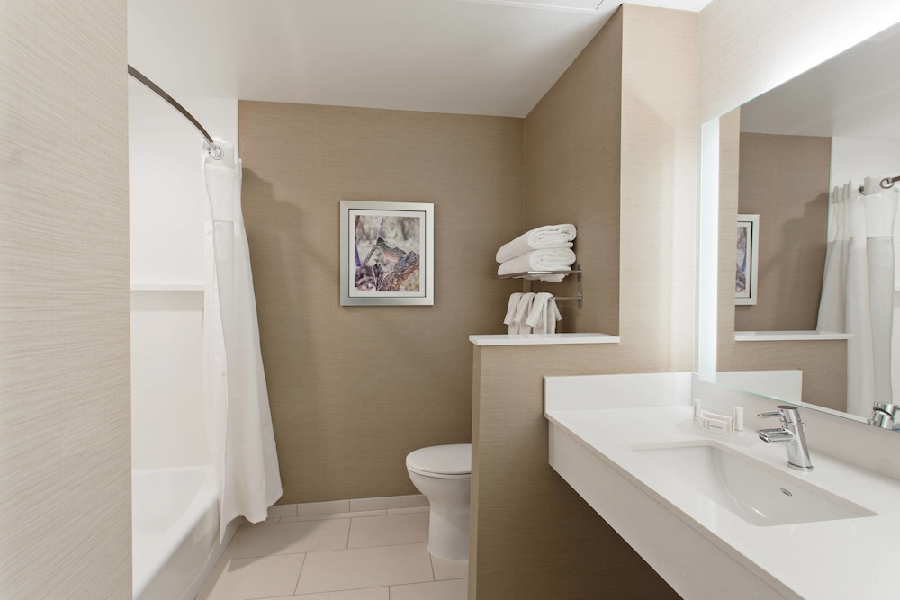 Bathroom, Fairfield Inn & Suites by Marriott Tucumcari