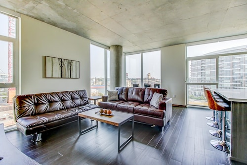 Spacious Apartments in Pearl District