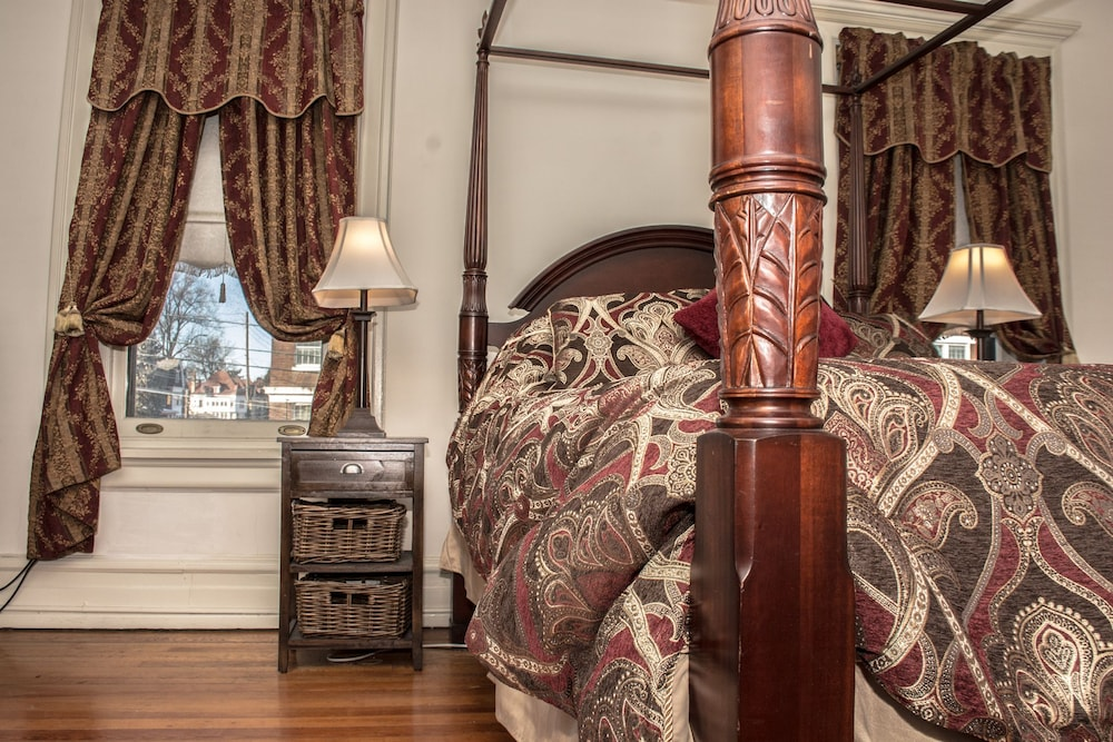Room, The Historic Benner Mansion