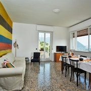 Holiday Apartment Comovà: Large Apartment in Villa on the Hills of Cernobbio