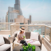 Dream Inn Dubai – 29 Boulevard with Private Terrace