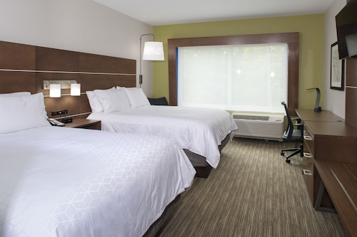 Holiday Inn Express and Suites King George- Dahlgren
