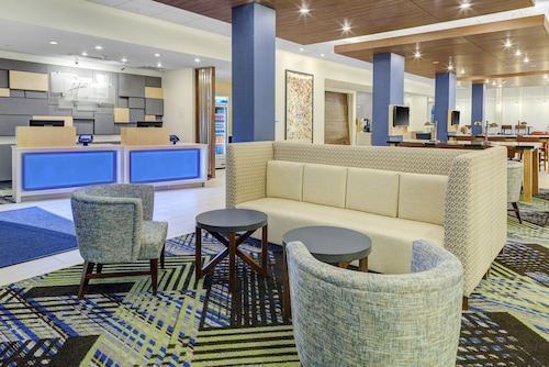 Holiday Inn Express and Suites King George- Dahlgren, an IHG Hotel