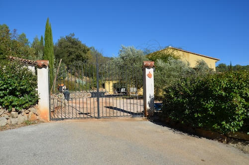Spacious Villa With Pool in the Heart of Provence