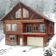 Newest, Best Group Rental on Schweitzer-sleeps 22+, Nothing Compares, Ski In/out