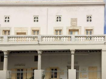 Cambanis Mansion