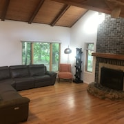 New Buffalo Retreat - Perfect Location for Enjoying Everything in Harbor County!