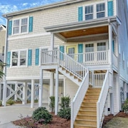 Brand new Home 2 Blocks From Downtown Carolina Beach