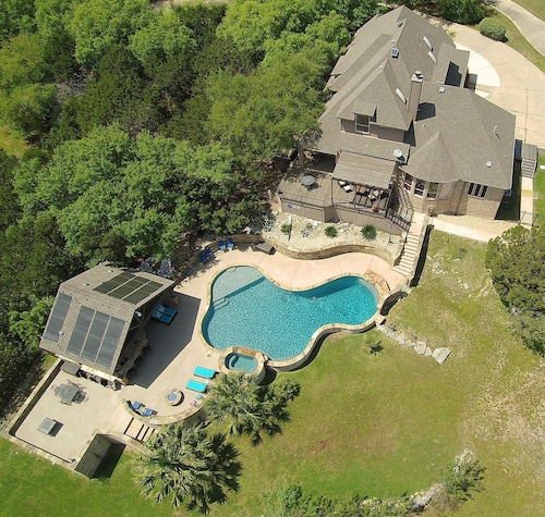 Gorgeous Hill Country Home With Incredible Spacious Outdoor Entertainment Area