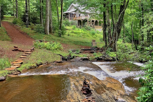 4 Acres Rushing Backyard Stream In Between Gorges State Park & Whitewater Falls