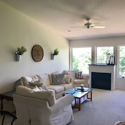 Beautiful Bluff Top Condo Overlooking Historical Wabasha And Mississippi River