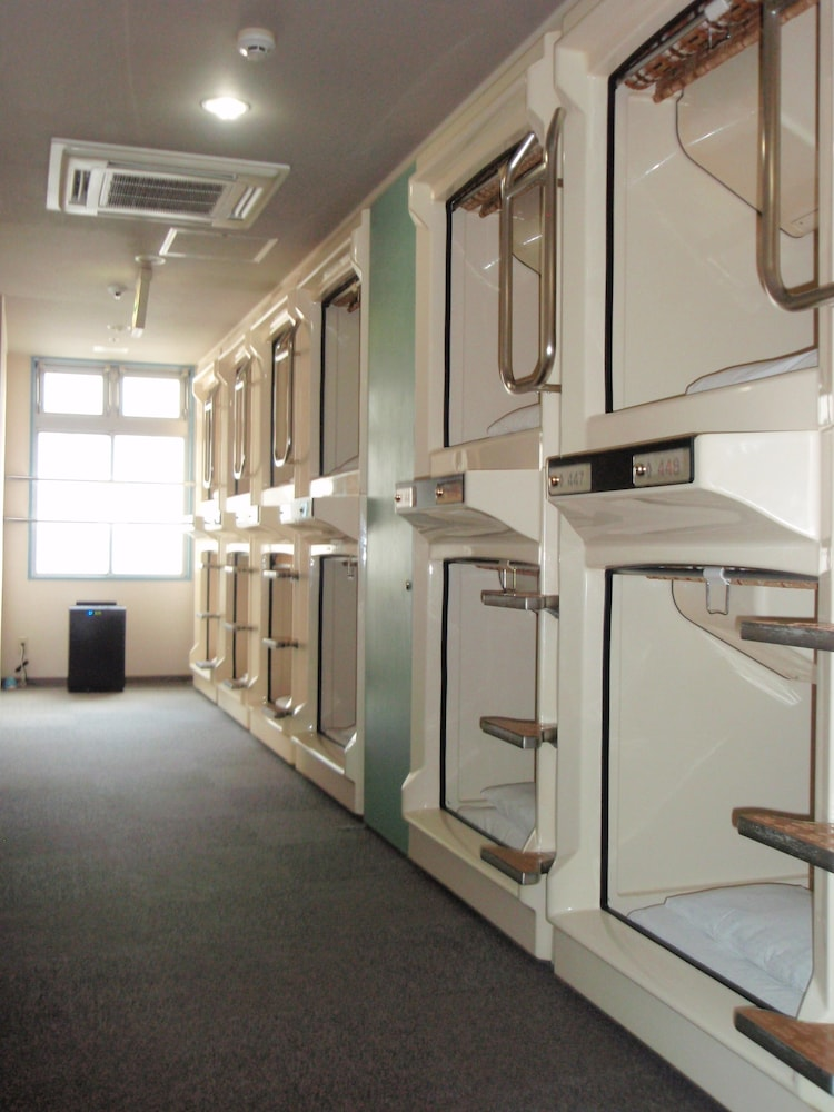 Room, Capsule Hotel Kobe Sannomiya - Caters to men