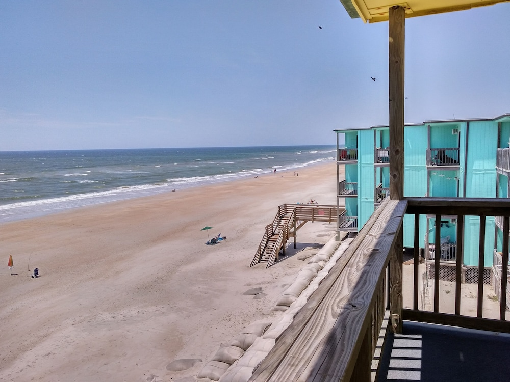 Modern Ocean Front Beach Villa On North Topsail 2017 Room Prices Deals Oceanfront Carolina Hotels Nc