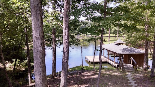 Quiet Cove, Deep Water Cove, Wi-fi, Easy Access, Great Swimming & Fishing