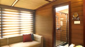 1 Schlafzimmer, Zimmersafe, Schreibtisch, kostenloses WLAN