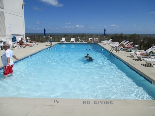 Great Place to stay Sea Gate 101 - 1 Br Condo near Ocean City