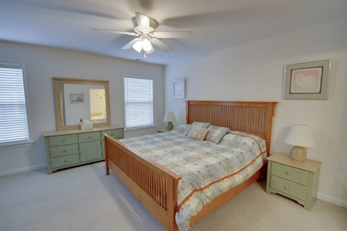 Great Place to stay Sandy Pause III 802B - 3 Br Townhouse near Ocean City