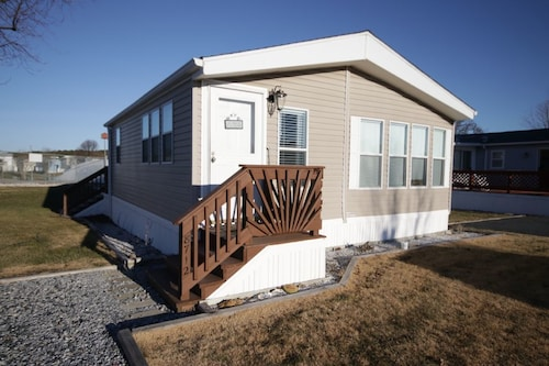 Great Place to stay Assateague Pointe 111 - 2 Br Home near Berlin