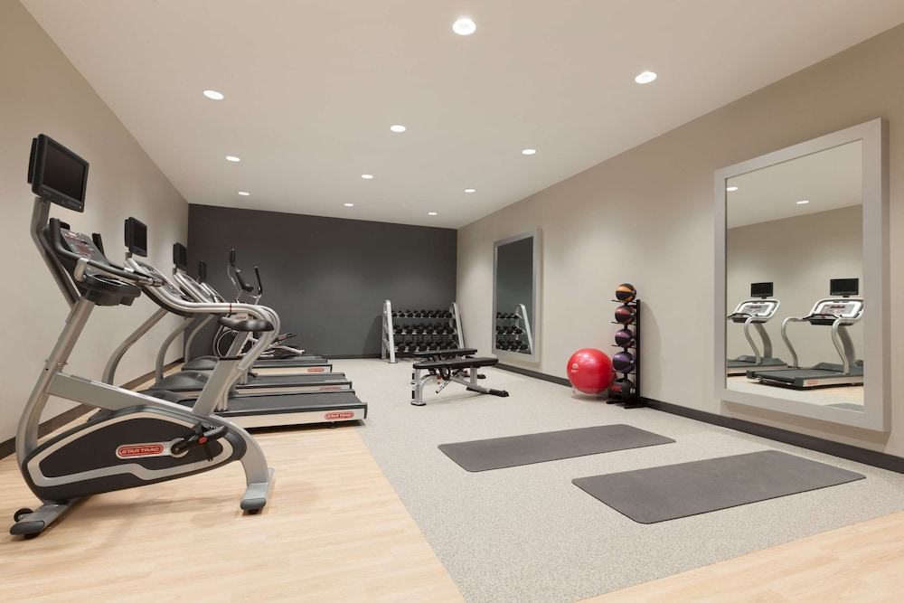 Fitness Facility, Embassy Suites by Hilton Wilmington Riverfront