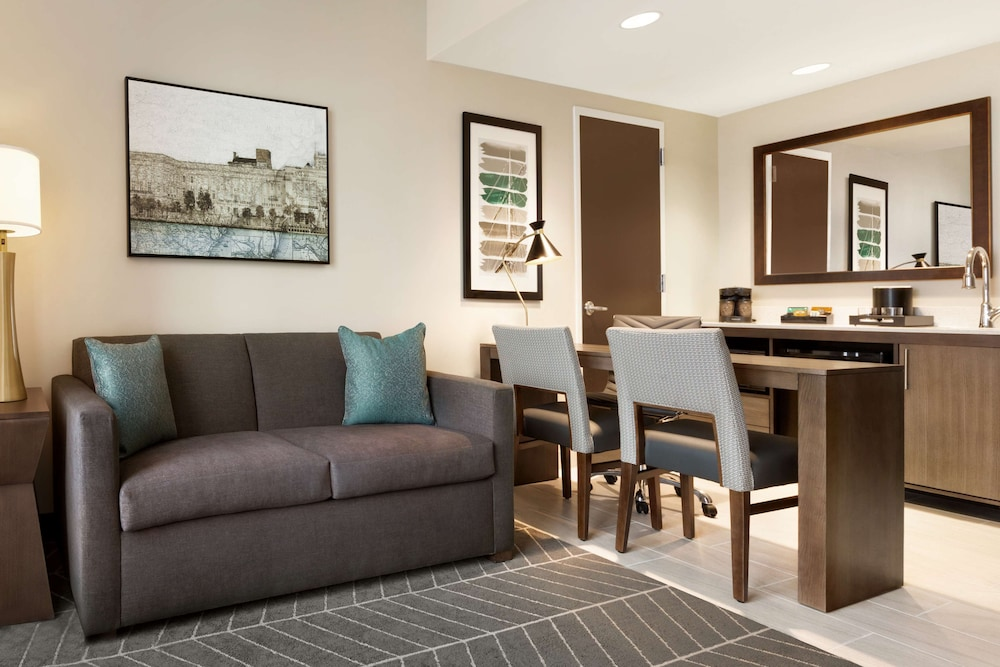 Living Area, Embassy Suites by Hilton Wilmington Riverfront