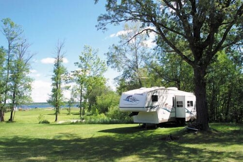 Property Grounds Standard Mobile Home Nightly RV Sites